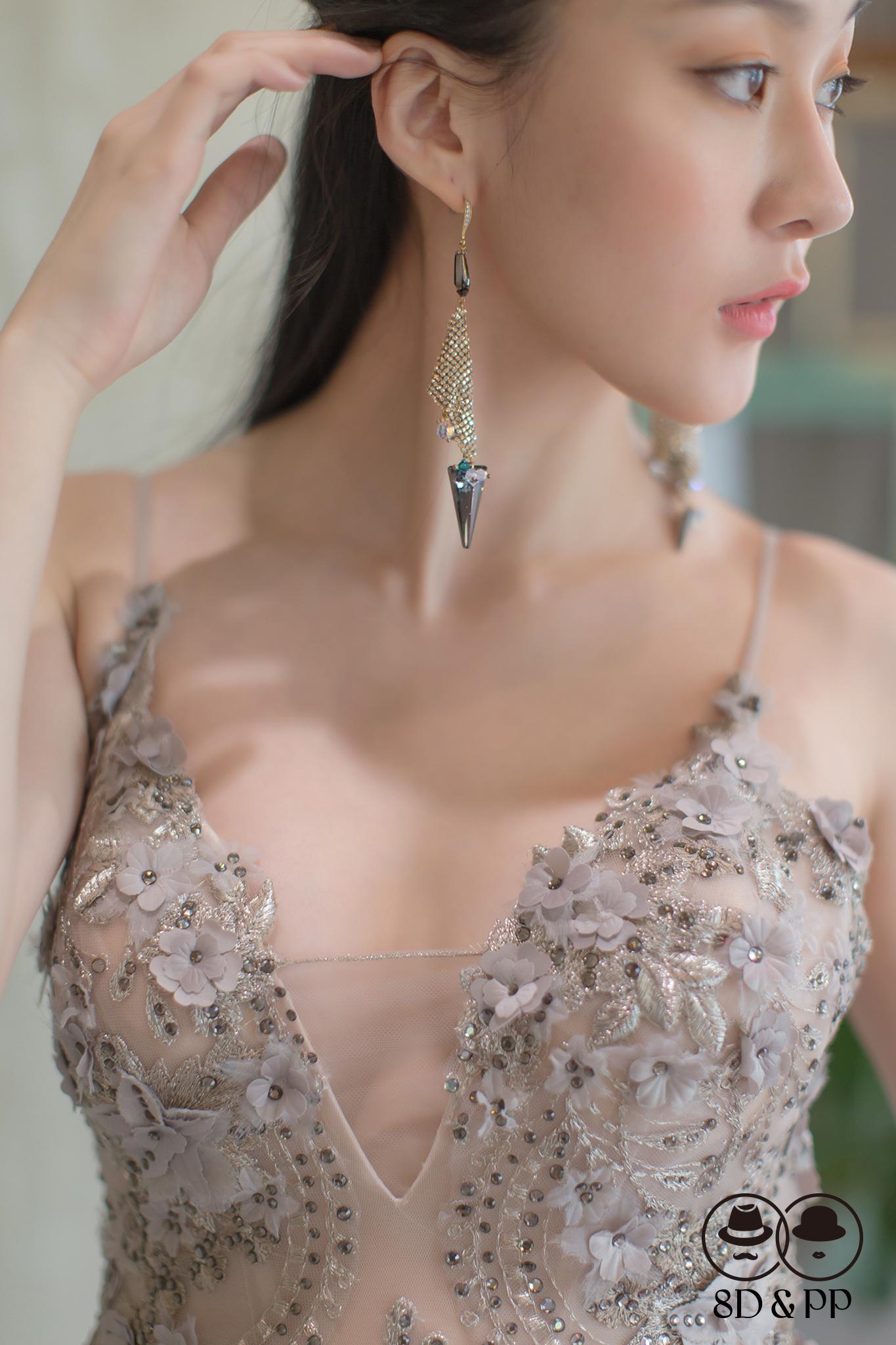 手工刺繡立體花晚禮服 | 八田伴伴 手作禮服婚物所